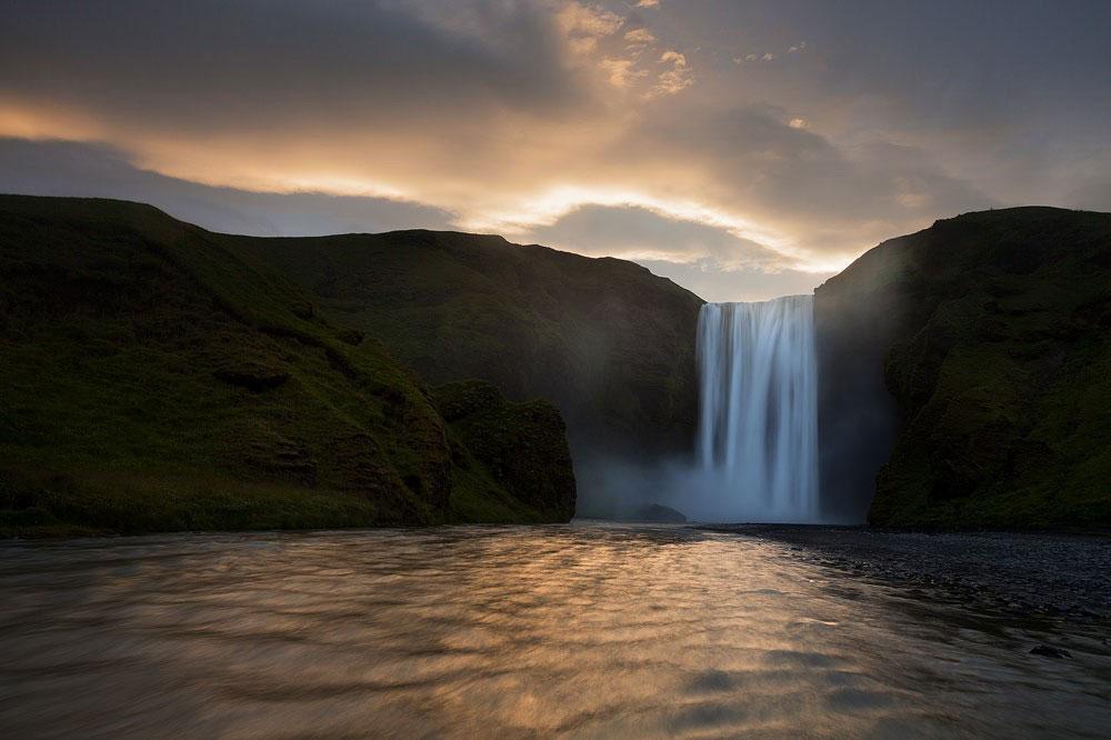 водопад на реке Скоугау