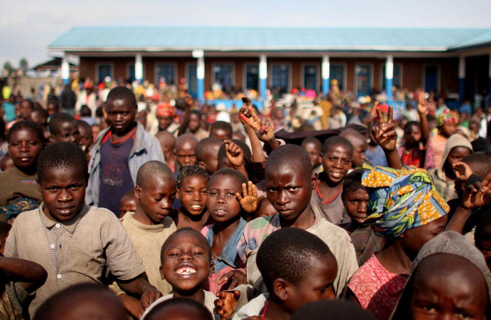дети в лагере для вынужденных переселенцев, Конго, фото