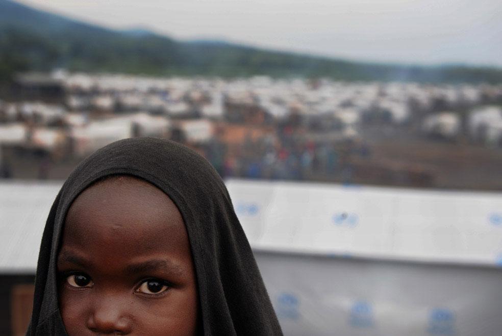 повстанцы грабят и жгут лагеря, Конго, фото