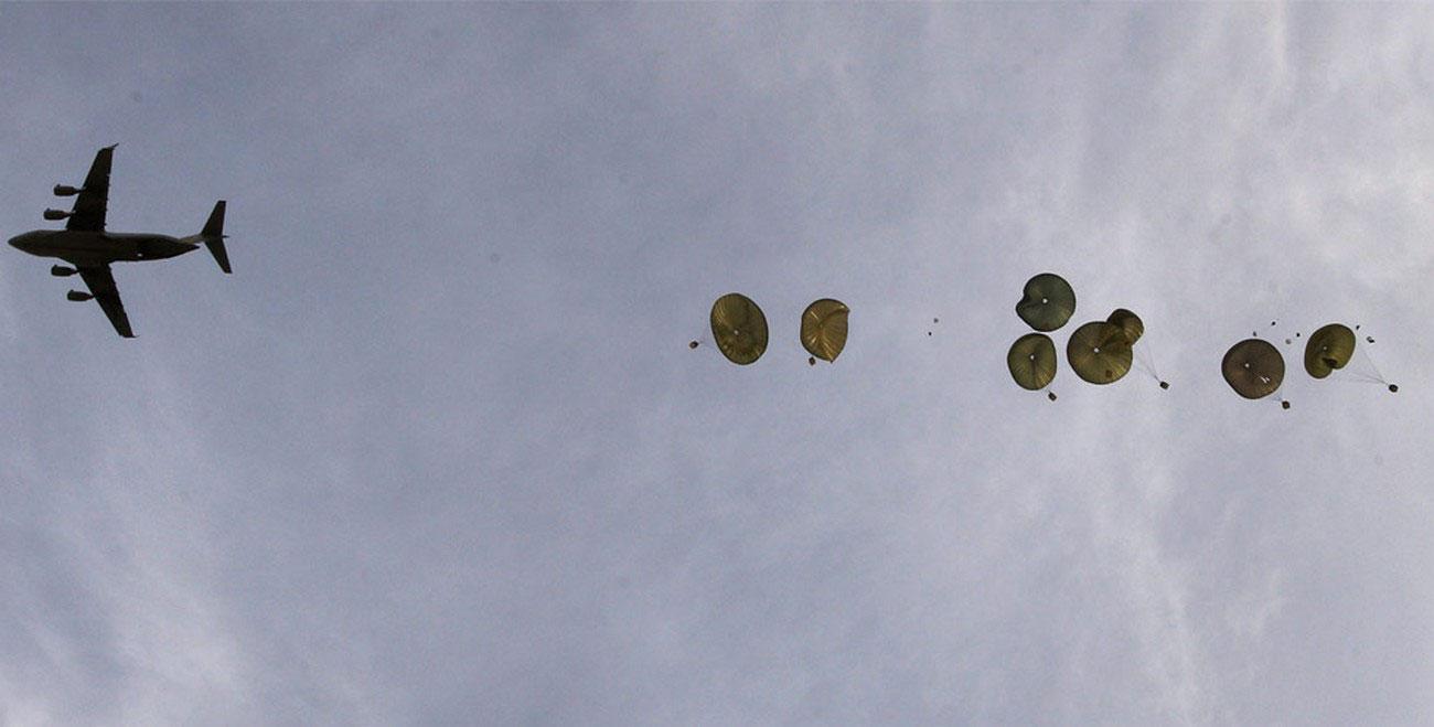 Военно-транспортный самолет C-17 ВВС США, фото