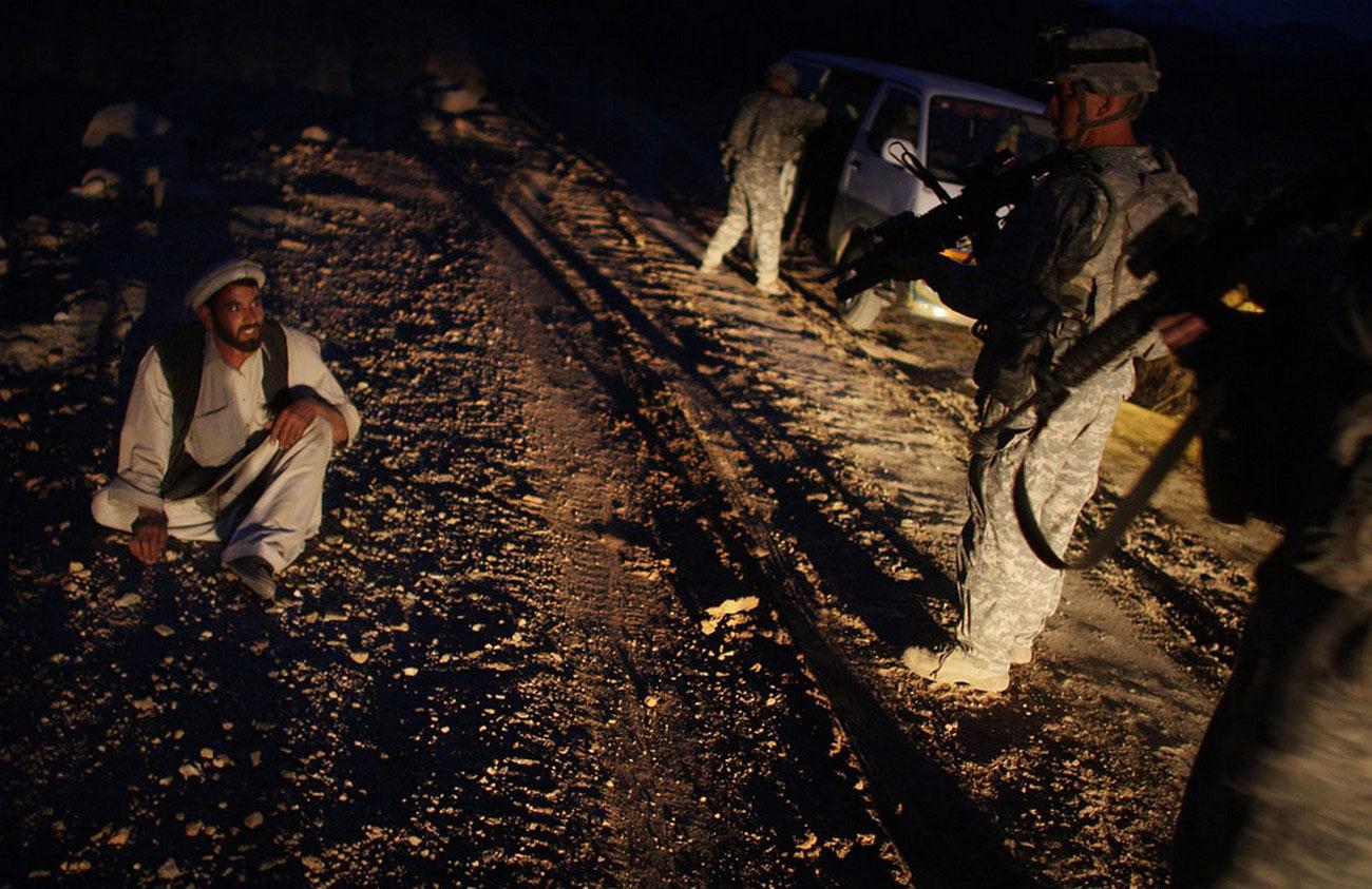 талибы обстреляли ракетами военную базу, фото афганской войны