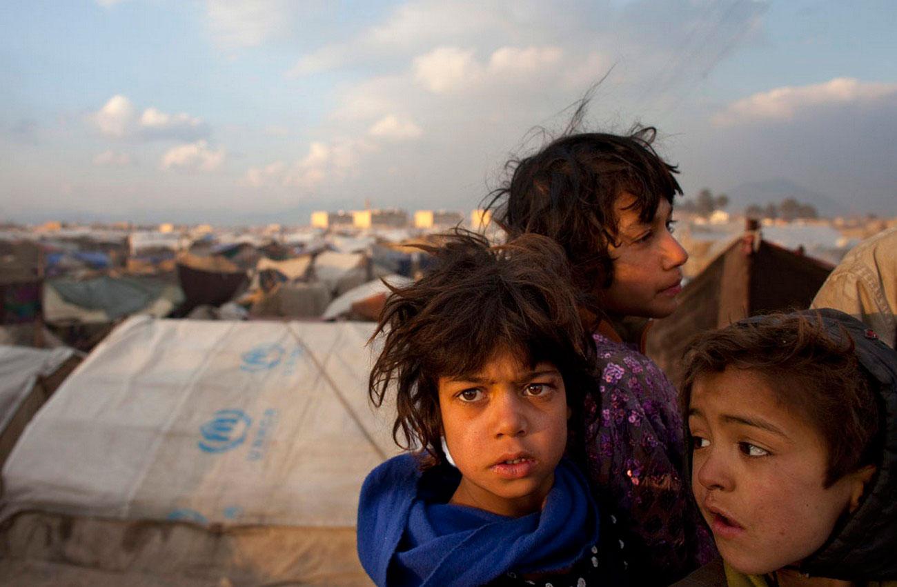 в лагере для беженцев, фото