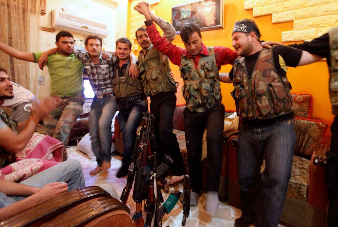 танцы повстанцев, фото, Сирия