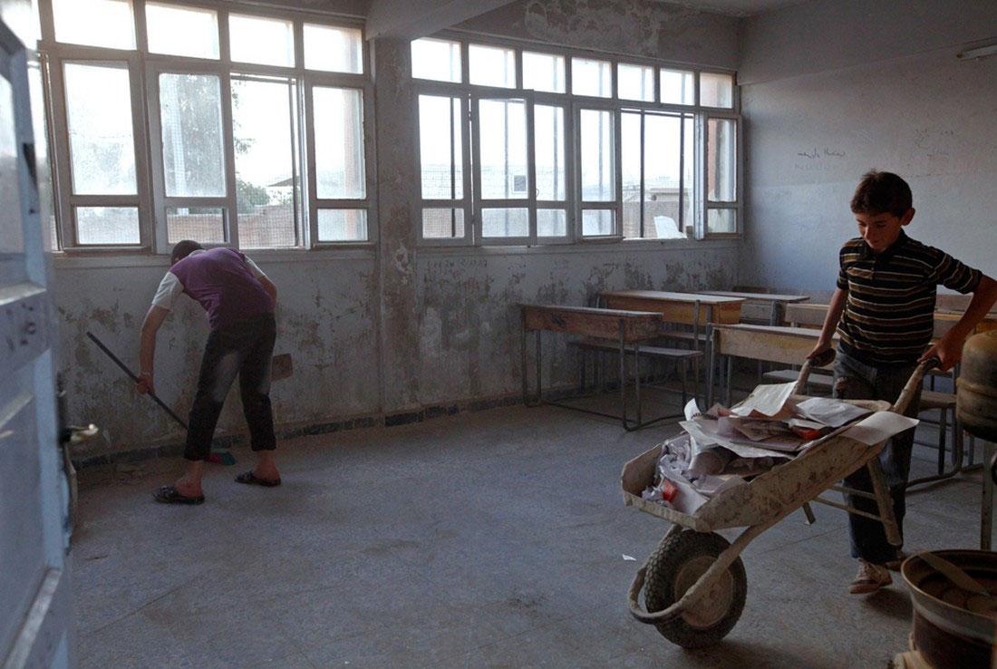 дети убираются в школе, фото, Сирия