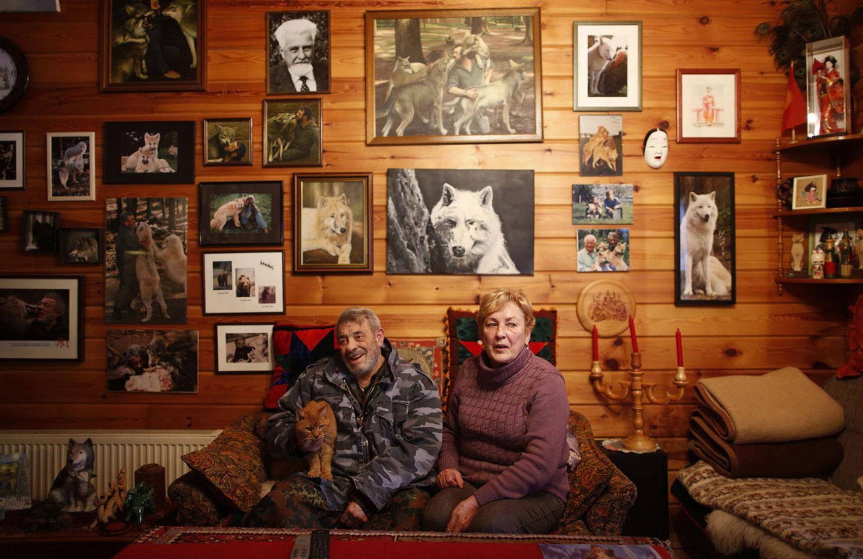 немецкие исследователи поведения волка, фото
