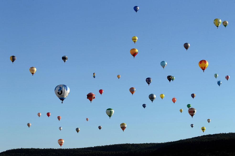 воздушный шар на аэродроме в Германии, фото