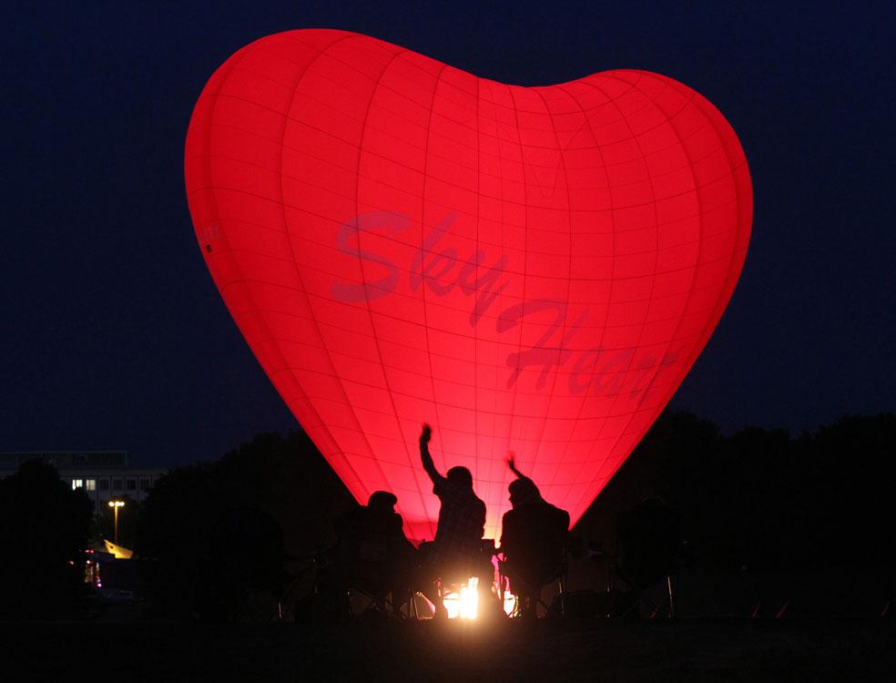 запуск воздушных шаров в восточной Германии, фото
