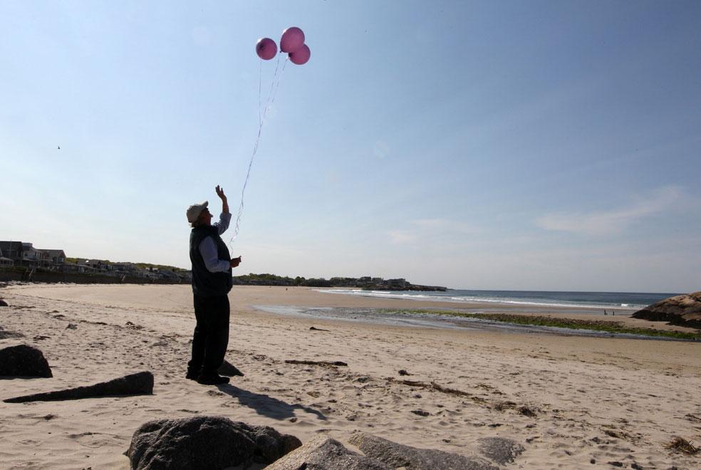 три воздушных шарика в небе, фото