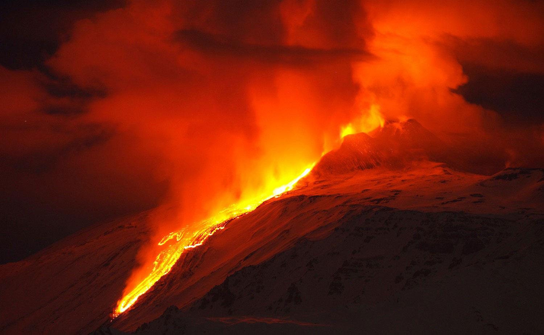 лава вулкана Этна, фото