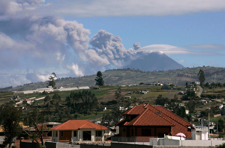 ядовитый газ вулкана Тунгурауа, фото