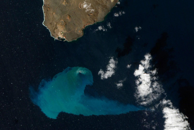 подводный вулкан Эль Йерро, фото