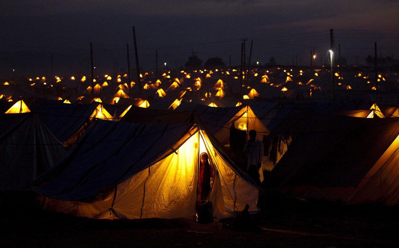 вынужденные переселенцы в в лагере Шах Мансур