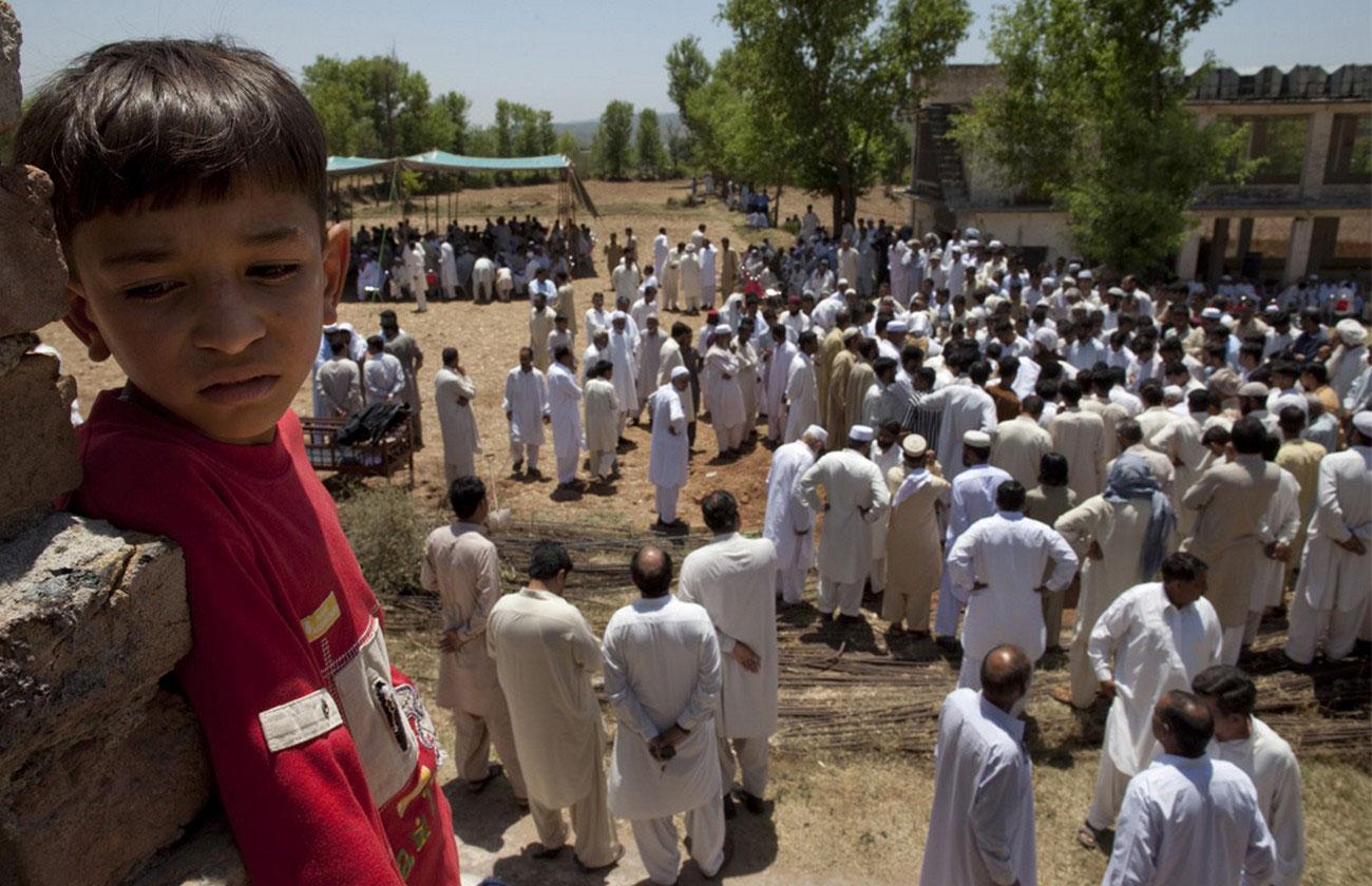 похороны пакистанского полицейского
