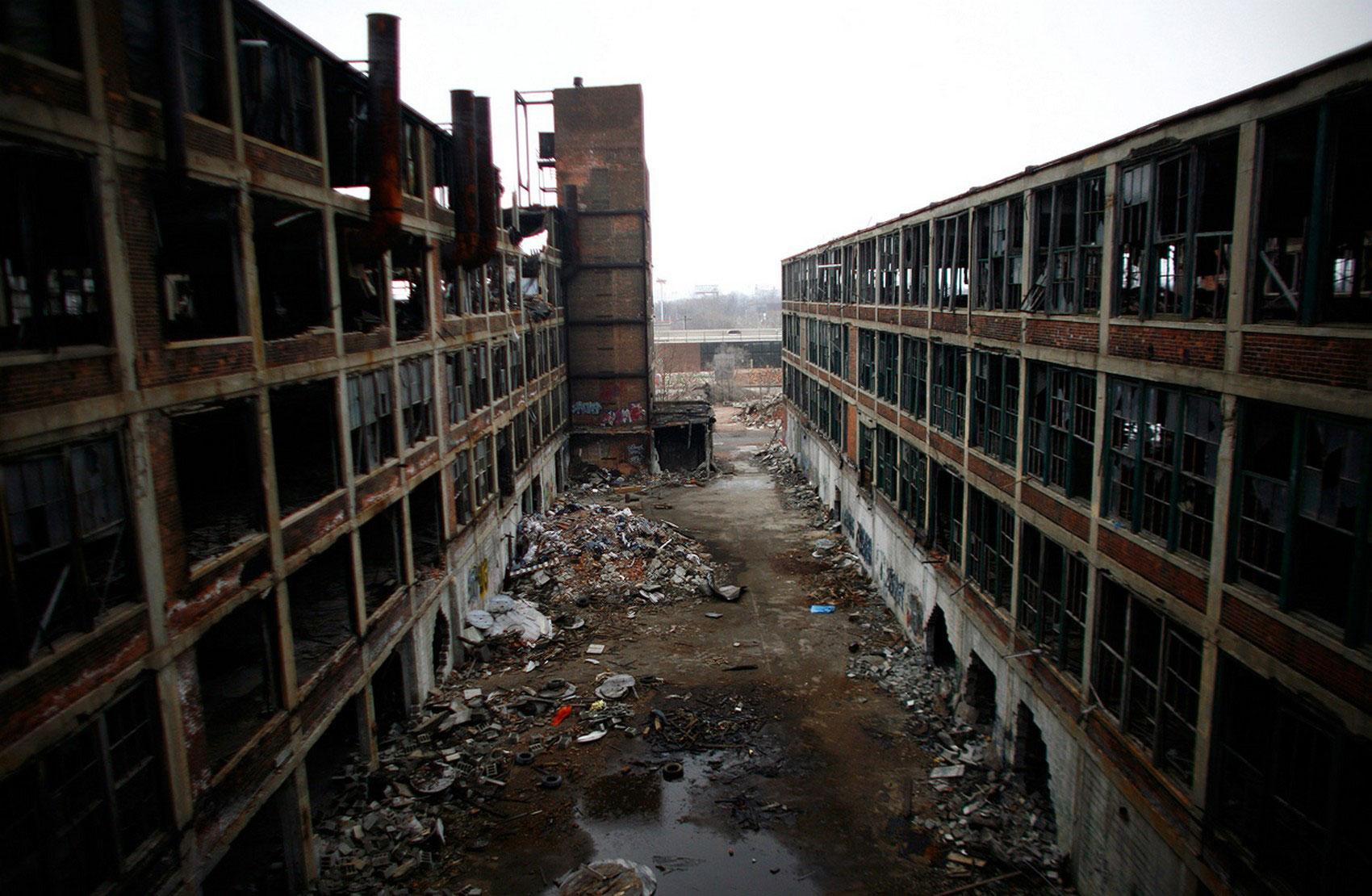 Заброшенный завод Packard Motor, фото
