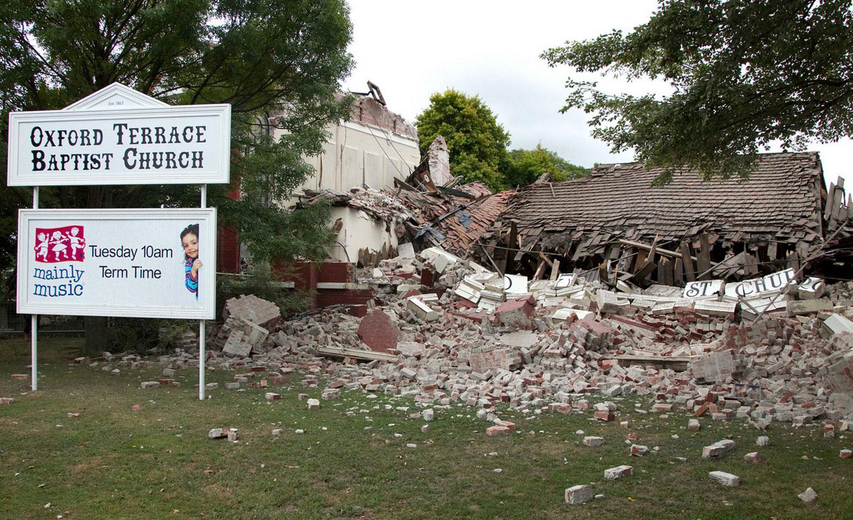разрушенная баптистская церковь, фото