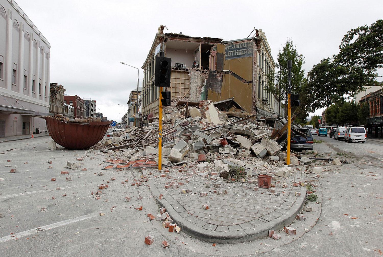 Фото рухнувших зданий