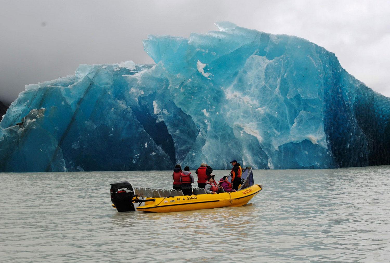 ледник в Тасманском озере, фото Новой Зеландии