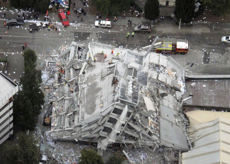здание после сильного землетрясения, фото Новой Зеландии