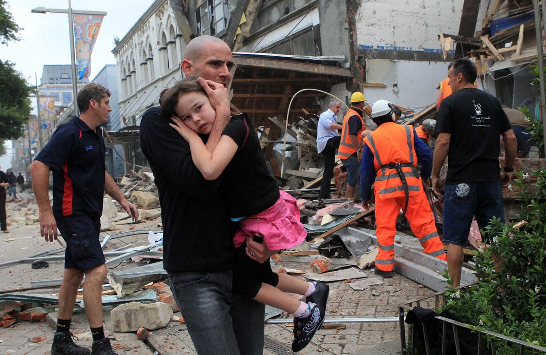 через несколько часов после мощного землетрясения, фото Новой Зеландии