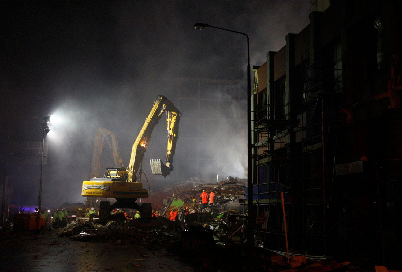 Работы по разгребанию завалов, фото Новой Зеландии