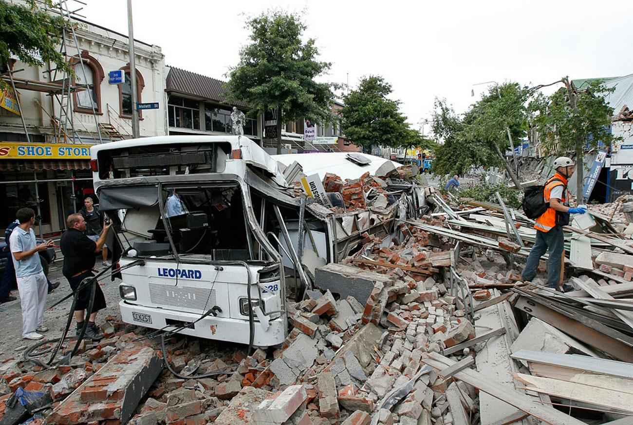 обрушение в результате землетрясения, фото