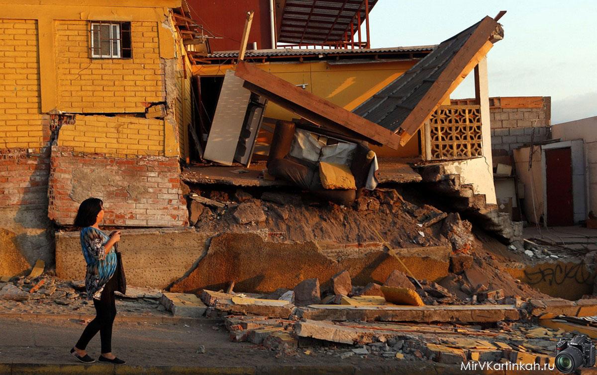 разрушенное стихией здание