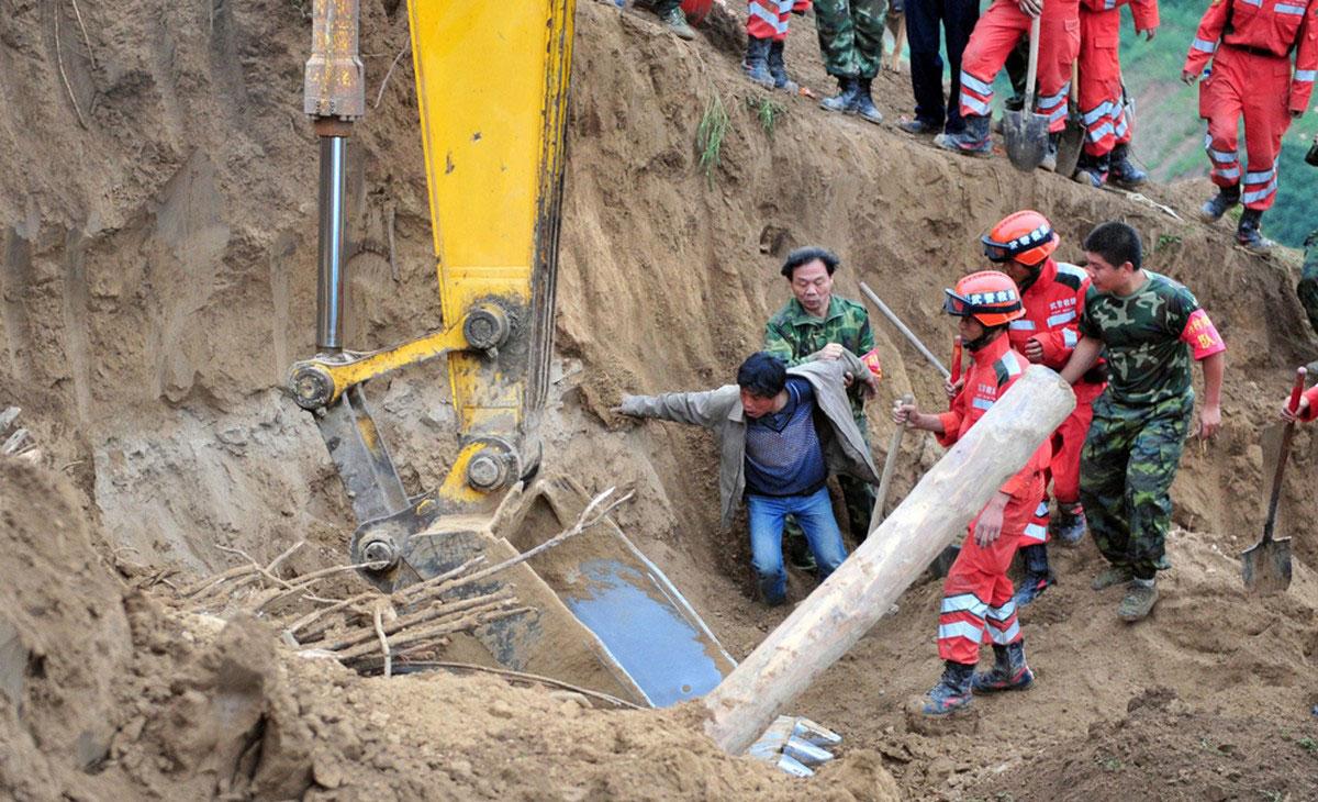 разгребание завалов в Китае