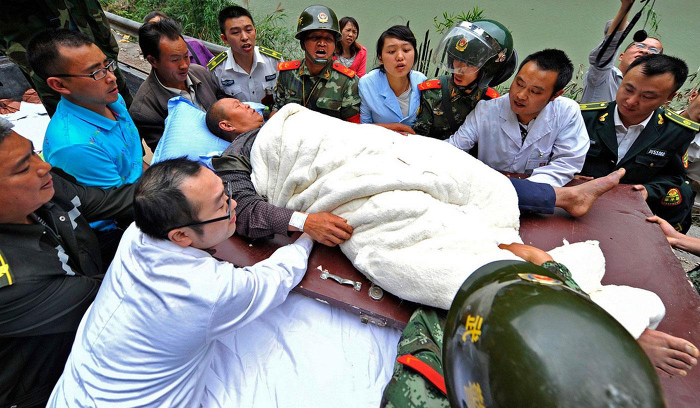 транспортировка раненого