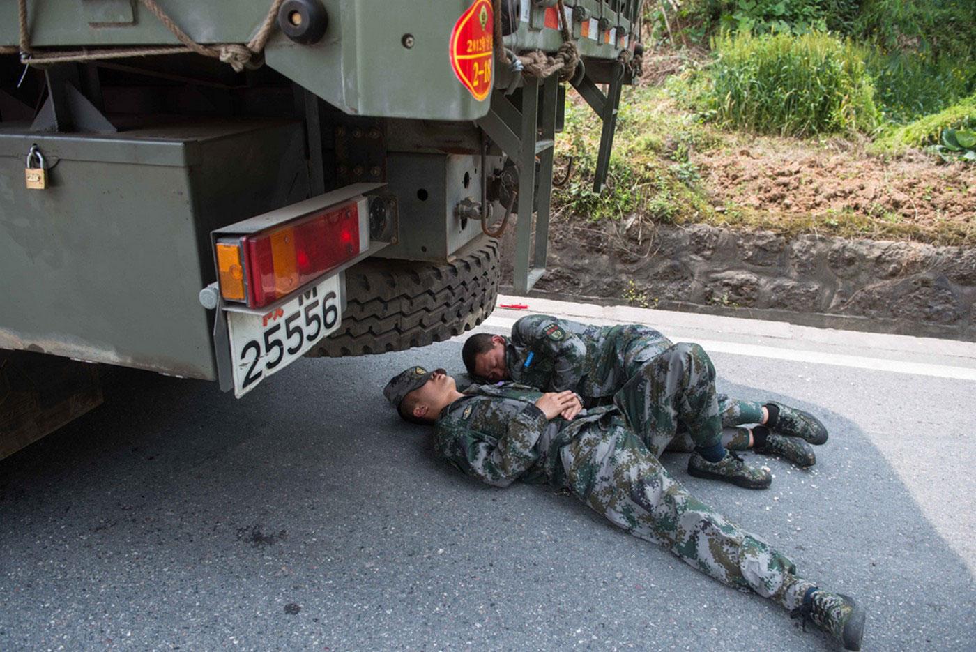 отдых китайских спасателей