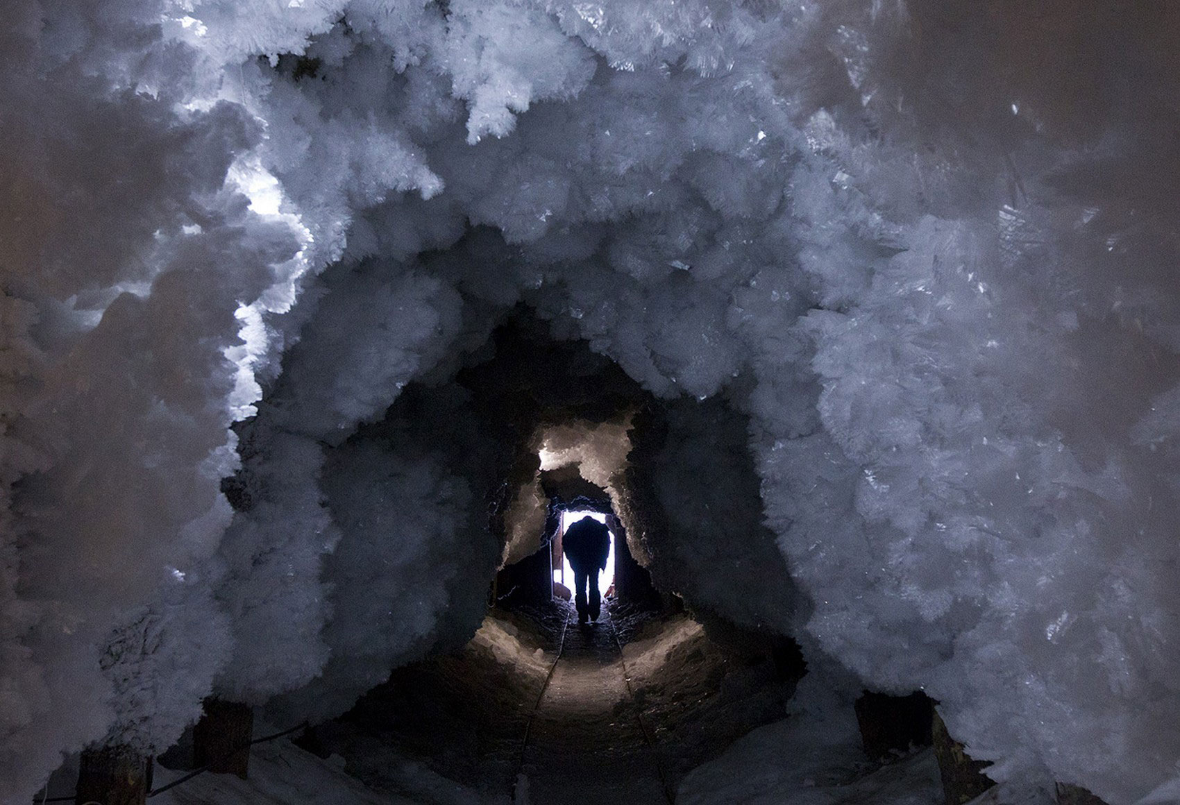 ледяной туннель